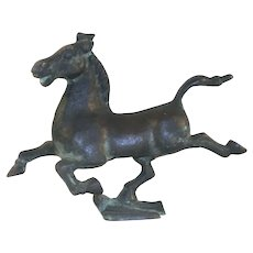 Beautiful Decorative Bronze Figurine of Gansu Flying Horse Stepping on Swallow