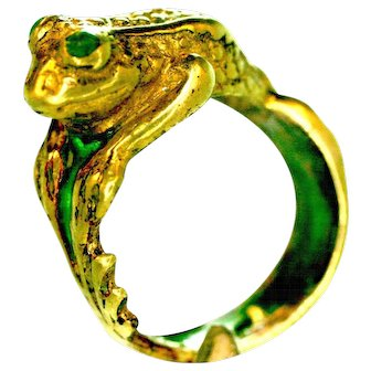 Vintage Art Deco French Frog ring 14 k gold  emeralds Plique a jour enamel