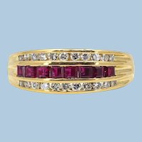 Splendid 18K solid gold ring with natural rubies and diamonds Stamped fine gold wedding ring
