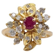 18K solid gold ring with ruby and 22 brilliant cut diamonds Stamped gold jewelry