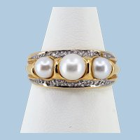 Rare 3-stone natural pearl Belle Époque ring in 18K solid gold  with 10 natural diamonds Fine gold bridal jewelry