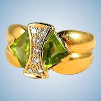 Unusual peridot and diamond cocktail ring in 18K stamped solid gold Fine French gold ring