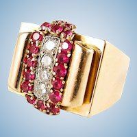Heavy Art Deco ring in 18K solid gold with diamonds and red paste stones Fully stamped