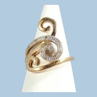 Attractive modernist abstract ring in 18K solid gold with 9 small diamonds Stamped Vintage French jewelry