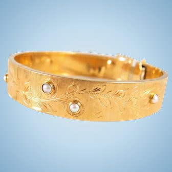 Victorian era 18K solid gold bracelet with pearls Stamped estate hinged opening cuff Ca. 1890's