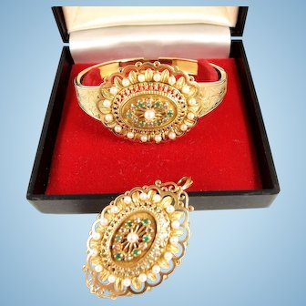 Spectacular Napoléon III Estate bracelet and brooch set 18K solid gold stamped with pearls diamonds and emeralds