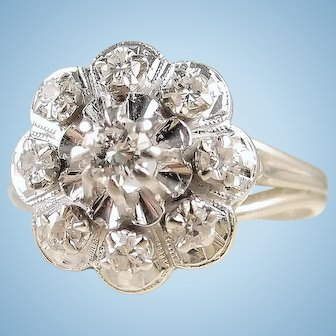 Flower design 18K solid white gold ring with natural diamonds Daisy shaped fine gold festooned bridal ring band
