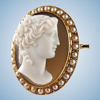 Antique high relief Italian sardonyx cameo French 18K solid gold framed Fine woman profile Gold and pearls