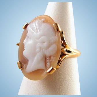 Antique Victorian hardstone cameo ring 18K solid gold Fine portrait ring Stamped