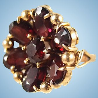 Rare antique 18K solid gold garnet flower ring Faceted garnets Massive stamped fine late Victorian jewelry