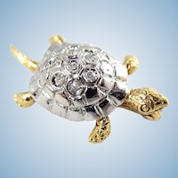 Adorable Turtle brooch in 18K solid gold with brilliant cut natural diamonds Stamped French fine gold jewelry