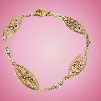 Estate 18K solid gold filigree Art Nouveau stamped bracelet with round cut diamonds