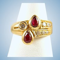 18K solid gold ring with natural rubies and brilliant cut diamonds Stamped fine gold vintage