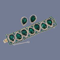 Magnificent 1950s Hattie Carnegie Emerald Green Rhinestone Bracelet and Matching Earrings