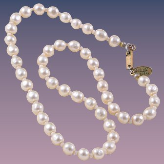 Classic 1970s Miriam Haskell Simulated Baroque Pearl Necklace