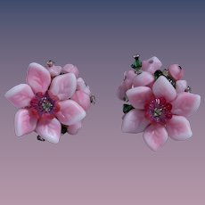 Pretty in Pink Vendome Art Glass Floral Earrings