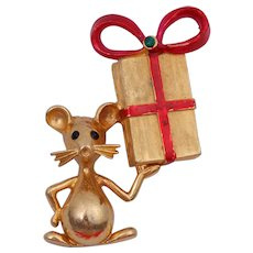 Mylu Vintage Christmas Mouse and Wrapped Present Pin