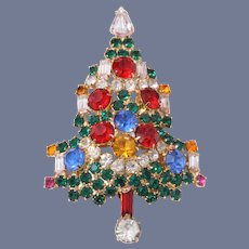 Book Piece Warner Large Christmas Tree Pin