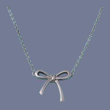 Rare Vintage Tiffany & Co. Sterling Silver Bow Pendant Necklace