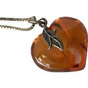 Sterling Silver | Amber Heart Pendant with 20-Inch Box Chain