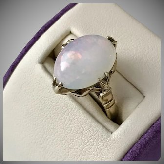 Beautiful! 14K YG Australian White Opal Ring Size 5-1/2