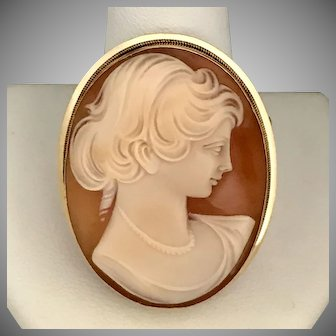 18K YG Lovely Hand Carved Shell Cameo Converter Brooch