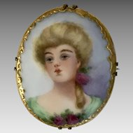 Lovely Victorian Gibson Girl Hand Painted Porcelain Brooch c1890