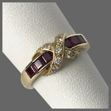 Beautiful 18K YG Ruby and Diamond Ring Size 6