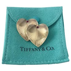 Vintage TIFFANY 14K YG Double Lapping Ruby Heart Brooch