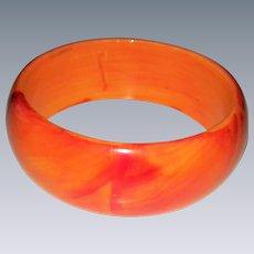 Vintage-Bangle-Bakelite-Bracelet-ORANGE-Marble-yellow-tequila-sunrise