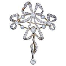 Garland 3ct Diamond Pearl Brooch 18ct Gold