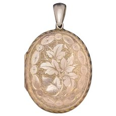 Antique Victorian Engraved Locket 18ct Gold Back And Front Circa 1880