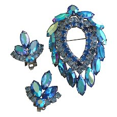 Blue Lagoon Vintage Sarah Coventry Pin Brooch & Earring Set