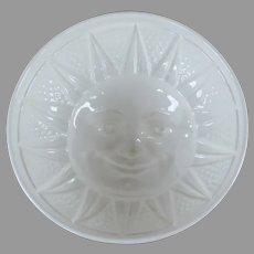 Jelly Food Mold of Smiling Sun from Victorian Times