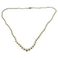 Vintage Graduated Cultured Pearl Necklace with 14 Karat White Gold Closure