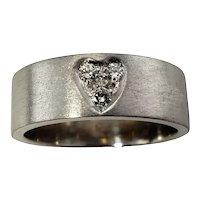 Vintage 18 Karat White Gold and Diamond Heart Band Ring Size 6.5