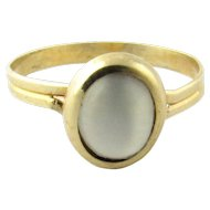 Vintage 18K Yellow Gold Mother of Pearl Ring Size 6