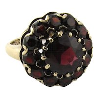 Vintage 10K Yellow Gold and Synthetic Garnet Ring Floral Design Size 4.75