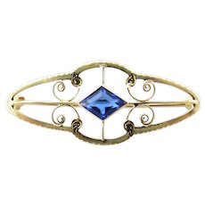Vintage 10 Karat Yellow Gold Blue Topaz Brooch