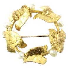 Vintage 10 Karat Yellow Gold and Pearl Circle Pin
