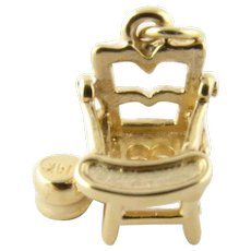 Vintage 14 Karat Yellow Gold Potty Chair Charm