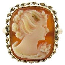 Vintage 10 Karat Yellow Gold Cameo Ring Size 5.25