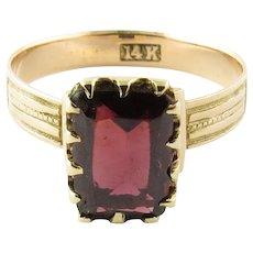 Vintage 14 Karat Yellow Gold Garnet Ring Size 6.25
