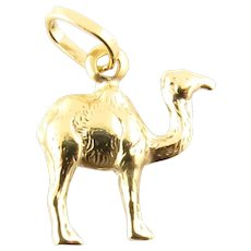 Vintage 18 Karat Yellow Gold Camel Charm