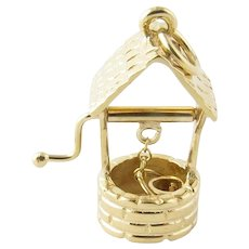Vintage 14 Karat Yellow Gold Wishing Well Charm