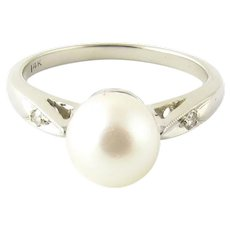 Vintage 14 Karat White Gold Pearl and Diamond Ring Size 6.25