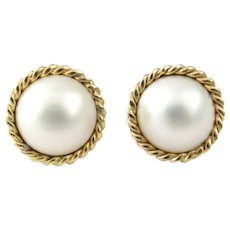 Vintage 14 Karat Yellow Gold Mobe Pearl Earrings
