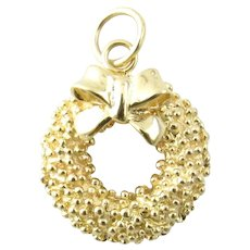 Vintage 14 Karat Yellow Gold Holiday Wreath Charm