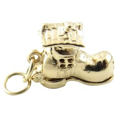 Vintage 14 Karat Yellow Gold Articulated Old Woman in a Shoe Charm