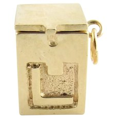 Vintage 14 Karat Yellow Gold Mechanical Jack in the Box Charm